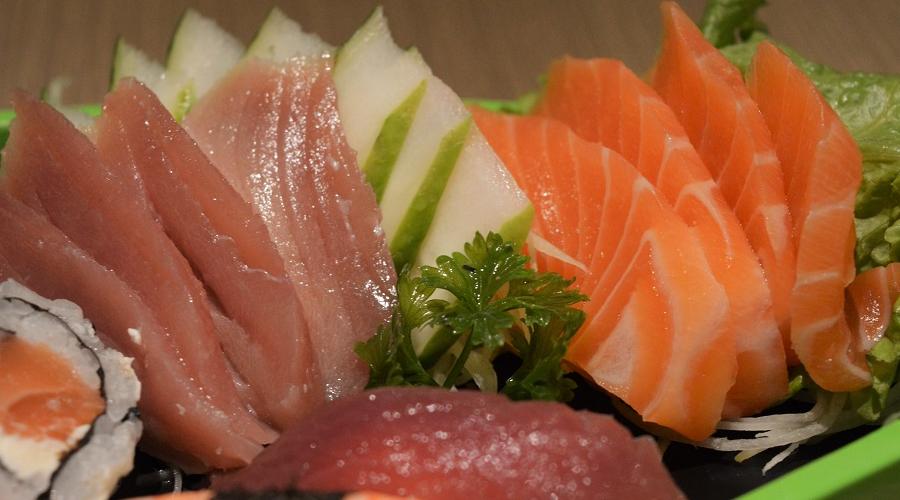 Salmão, atum, ômegas-3 e a contaminação por pesticidas e mercúrio