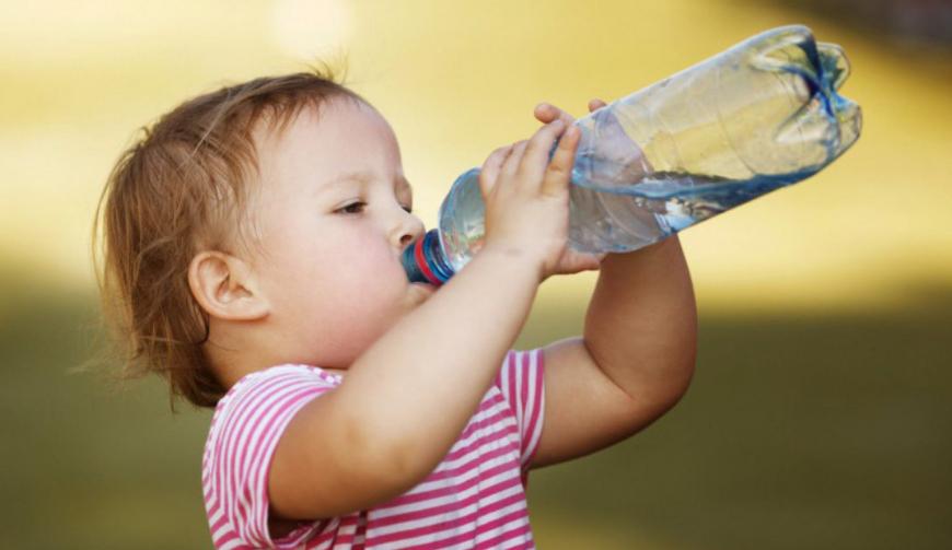 Seu filho bebe suficiente água?